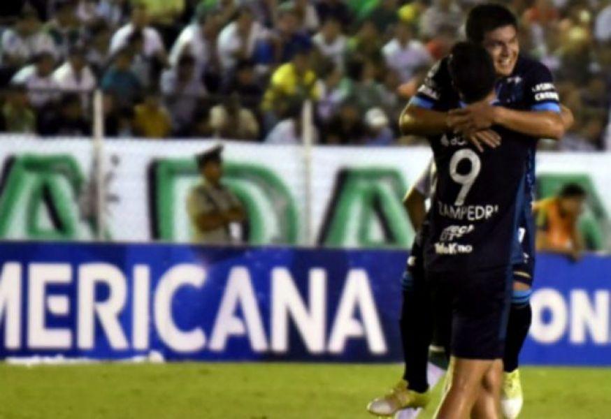 El Pulga Rodríguez y Zampedri marcaron dos de los tres goles en Bolivia.