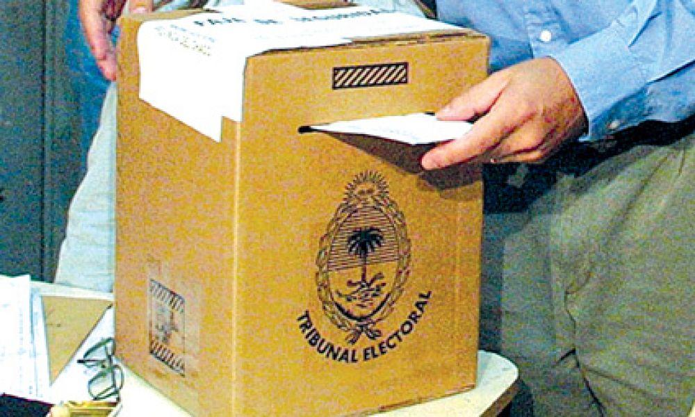 Los salteños habituados al voto electrónico, ahora lo harán también con el voto papel en las primarias del 13 de agosto.