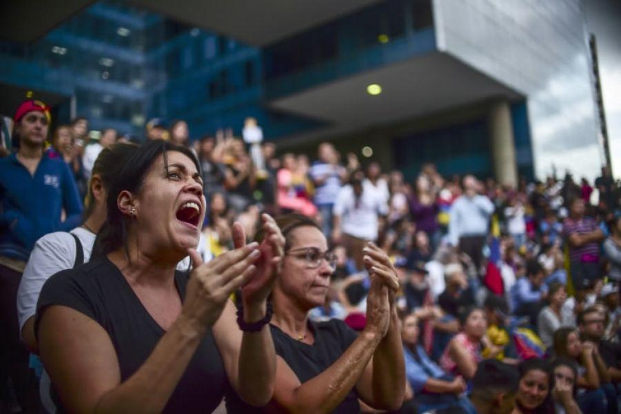 """La movilización busca denunciar la """"ilegitimidad"""" de la asamblea, desconocida por una decena de países, entre ellos EEUU."""