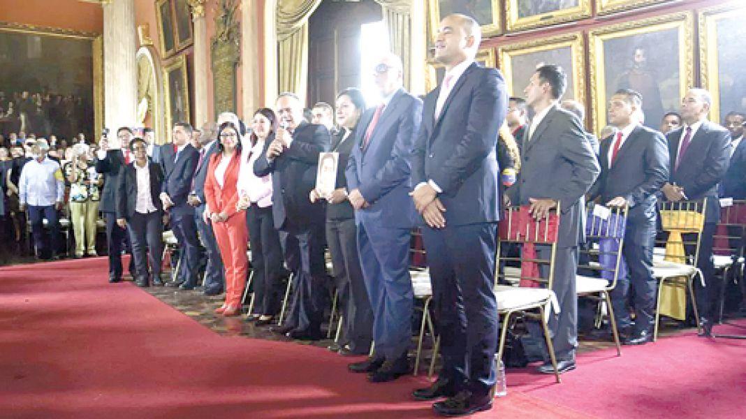 La Asamblea Constituyente de Venezuela eligió presidenta a la ex canciller Delcy Rodríguez.