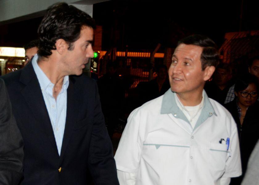 Juan Manuel Urtubey y Bernardo Biella acompañaron el homenaje al director Horacio Bordón, que se retira de la docencia.