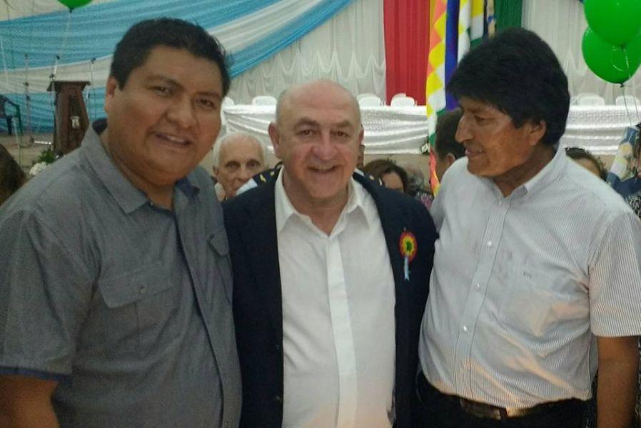Mashur Lapad junto a Evo Morales y José Quecaña, en la apertura de la Expo Chaco Yacuiba.