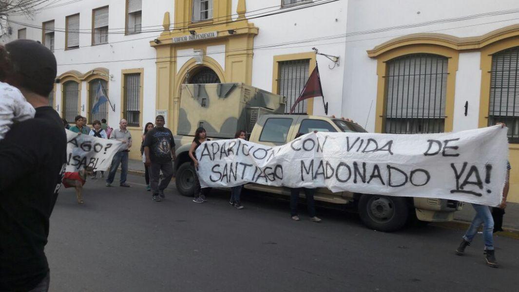 En Salta varias organizaciones marcharon unidas en un solo reclamo por la aparición de Santiago Maldonado.