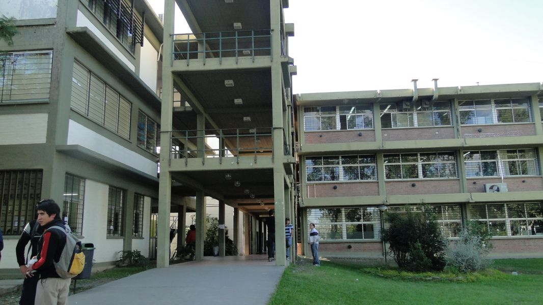 Estudiantes de la UNSa debaten un régimen disciplinario que impulsa el Rectorado.