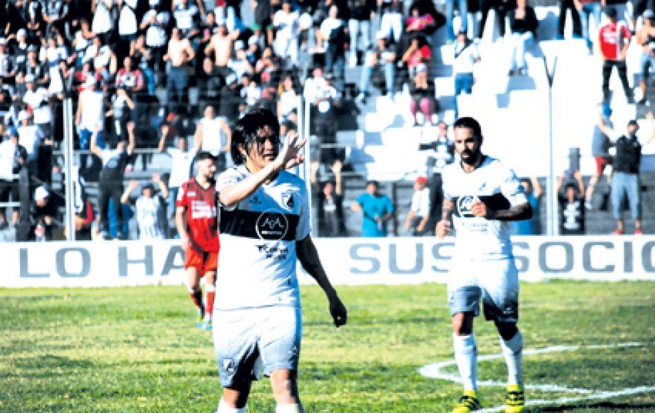 Puntano y Ceballos, los goles y el fútbol en Central.