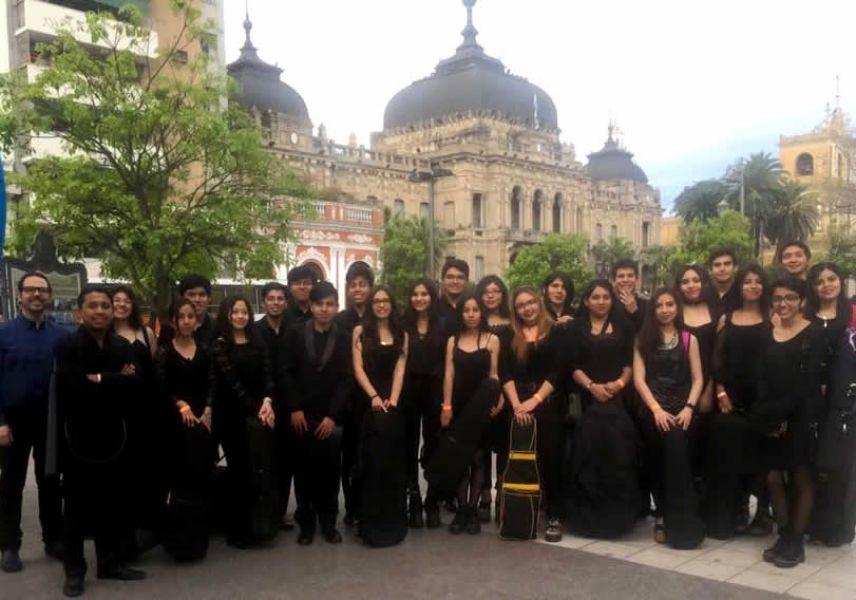 """Estudiantes salteños en el Seminario Orquestal """"Gran Encuentro Musical de orquestas juveniles"""", se desarrolló en la provincia de Tucumán."""