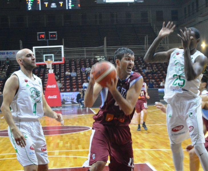 El alero de Salta Basket, Alejandro Zilli, uno de los responsables de esta gran campaña en el Súper  20 de la Liga Nacional.