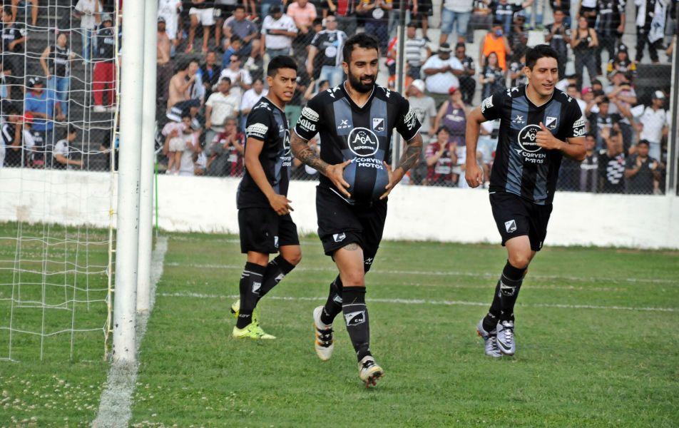 Ceballos jugará su partido número 200 con la camiseta de Central Norte.