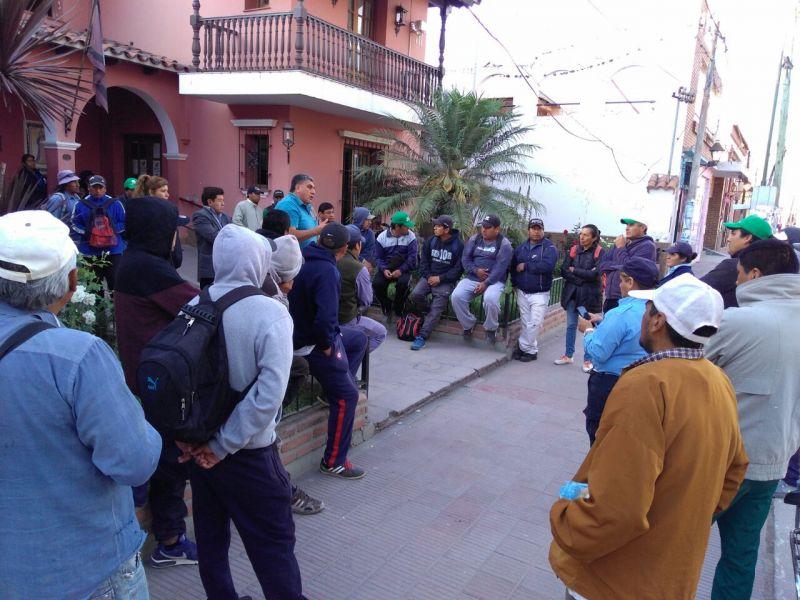 Manifestación de municipales de Rosario de Lerma
