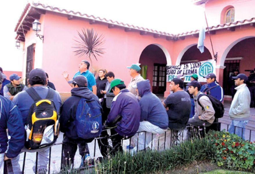 Los empleados municipales de Rosario de Lerma realizaron asambleas para definir su plan de lucha.