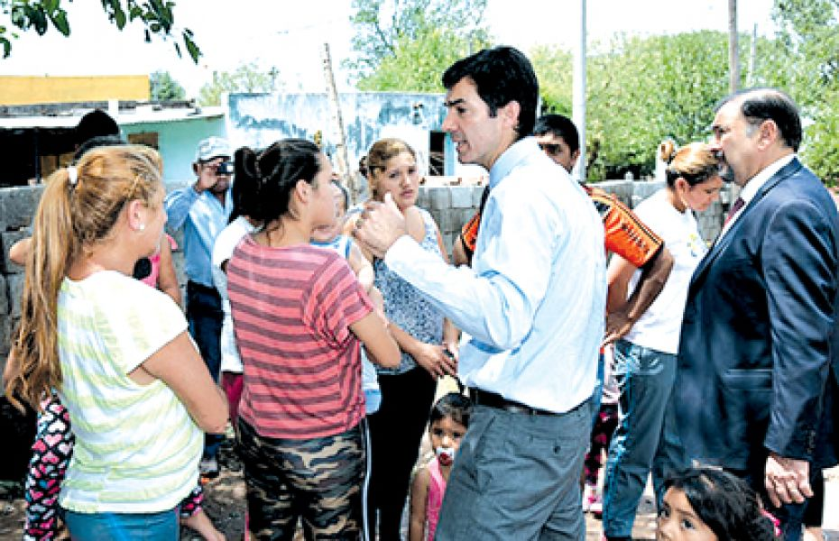 El gobierno se movilizó por los 30 evacuados y la asistencia a 127 familias damnificadas por el temporal de lluvia y granizo en Metán.