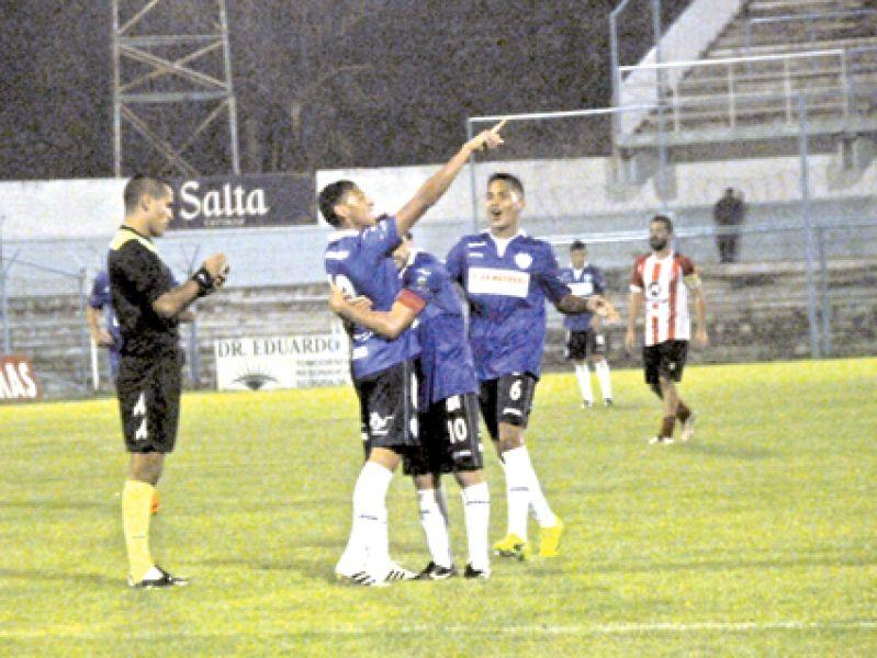 Lucho Herrera volvió a convertir en su segundo partido.