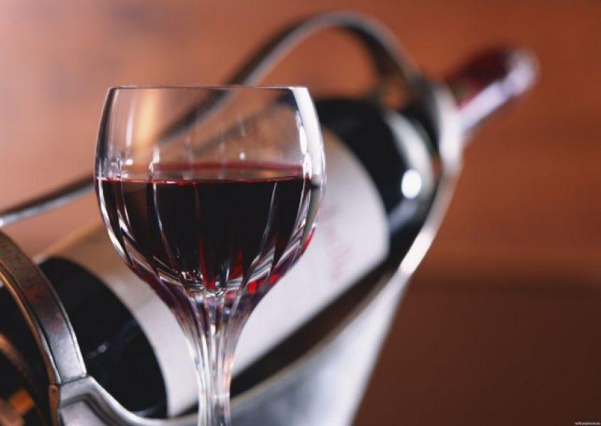 Mediante una reunión en Mendoza se buscará que el Gobierno dé marcha atrás con la decisión del impuesto al vino.