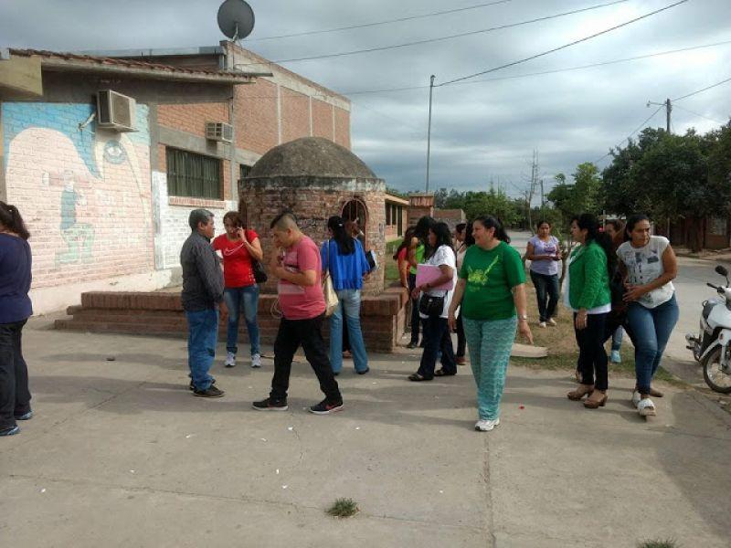 Ayer en la escuela. Con este nuevo caso se pasó a contar con 13 casos confirmados de hantavirus. (Foto Radio Cadena Noa).
