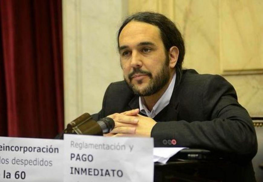 """Pablo López (FIT), dijo que esta ley """"tiene un valor adicional porque ha sido arrancada en medio de un avance del gobierno nacional""""."""