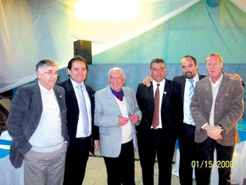 Miguel Talló, Leonardo García, Pedro Sández, Ernesto Gómez,Gonzalo Gómez y Alberto Fermani.