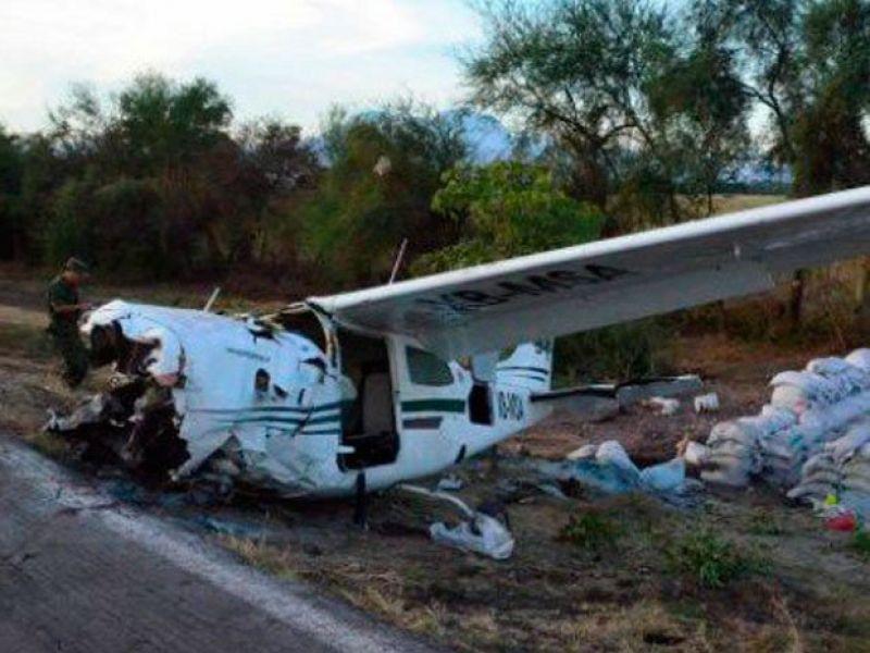 El avion Cessna quedó destrozado al impactar contra las serranías de Huaico Grande en la frontera con Bolivia. (Foto ilustrativa)