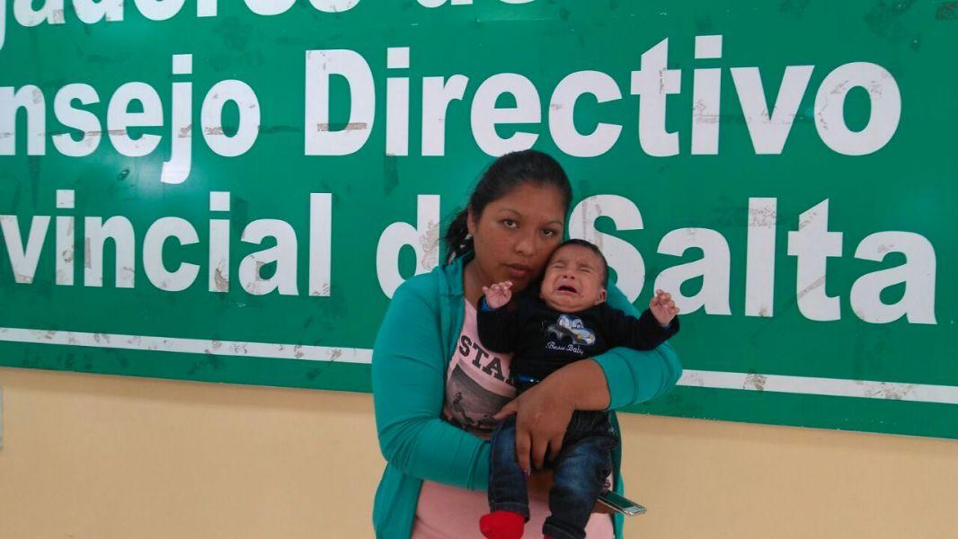 """Beatriz Liendro, una de las cesanteadas, aseveró que la dejaron sin trabajo """"porque no salí a caminar con la política""""."""