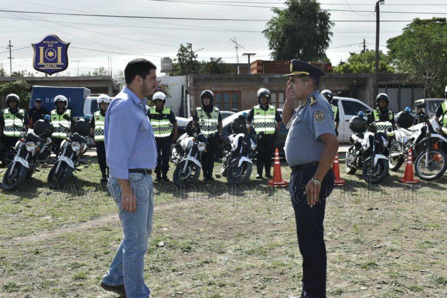 Carlos Oliver y Ángel Silvestre (derecha) supervisaron el operativo sobre nuevas estrategias de prevención de delitos por contravenciones.