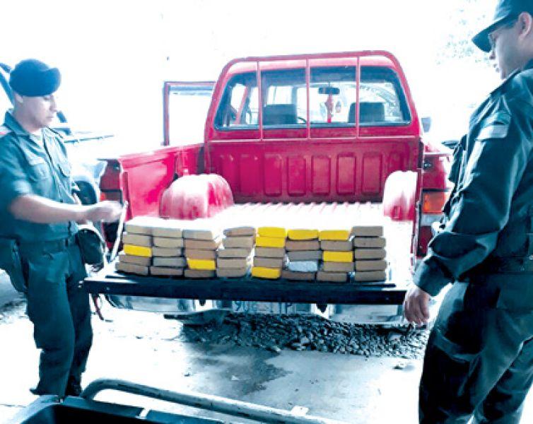 La camioneta circulaba por la ruta 50 cerca de A. Blancas.