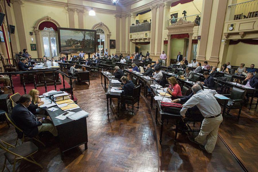 Diputados sesionará hoy y abordará tres temas relativos a la salud pública.