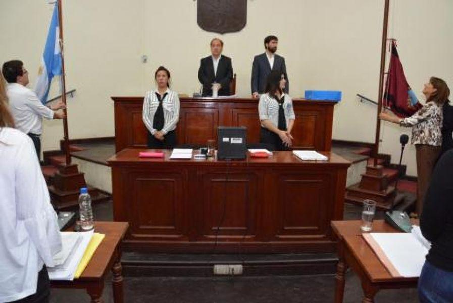 El Concejo Deliberante removió de su cargo al Secretario Administrativo y jefe de Personal del Concejo, Antonio Herrera, por violencia de género.