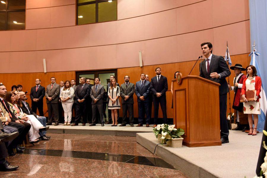 El gobernador Juan Manuel Urtubey en el acto de asunción de los nuevos secretarios del gabinete.
