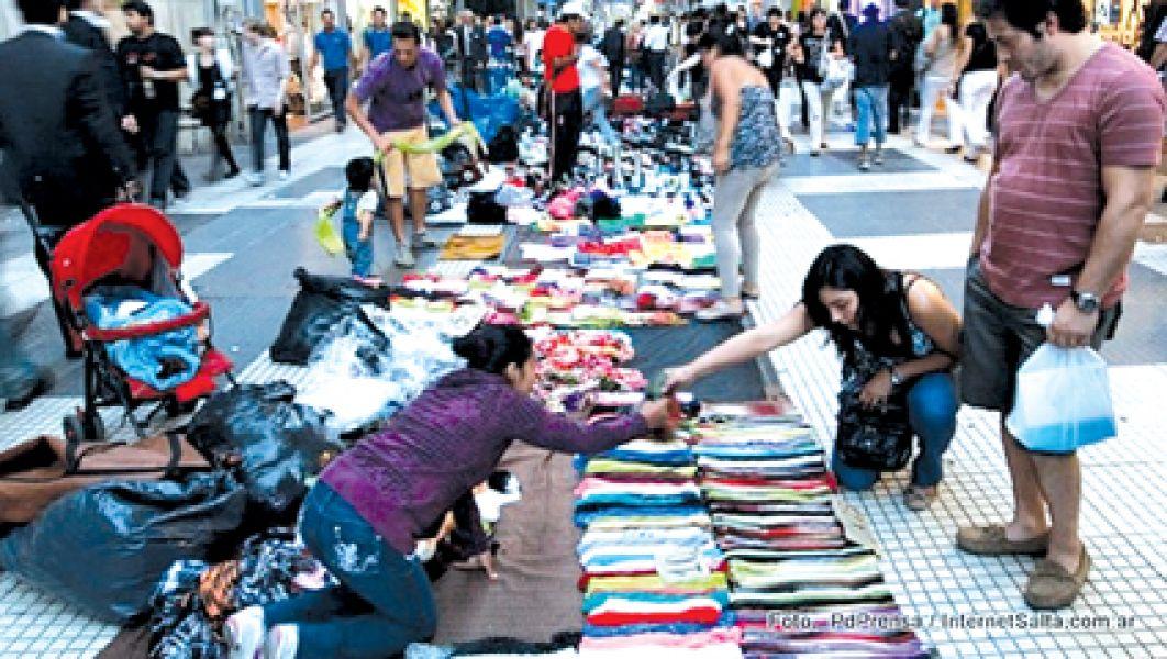 Por las fiestas de fin de año, la Municipalidad abrió el registro para los vendedores ambulantes.