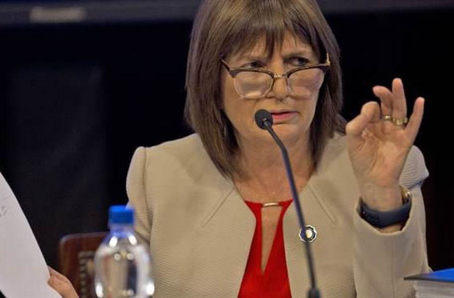 """Pidieron a la ministra de Seguridad Patricia Bullrich, """"el cese inmediato de toda medida represiva en la zona de Lago Mascardi""""."""