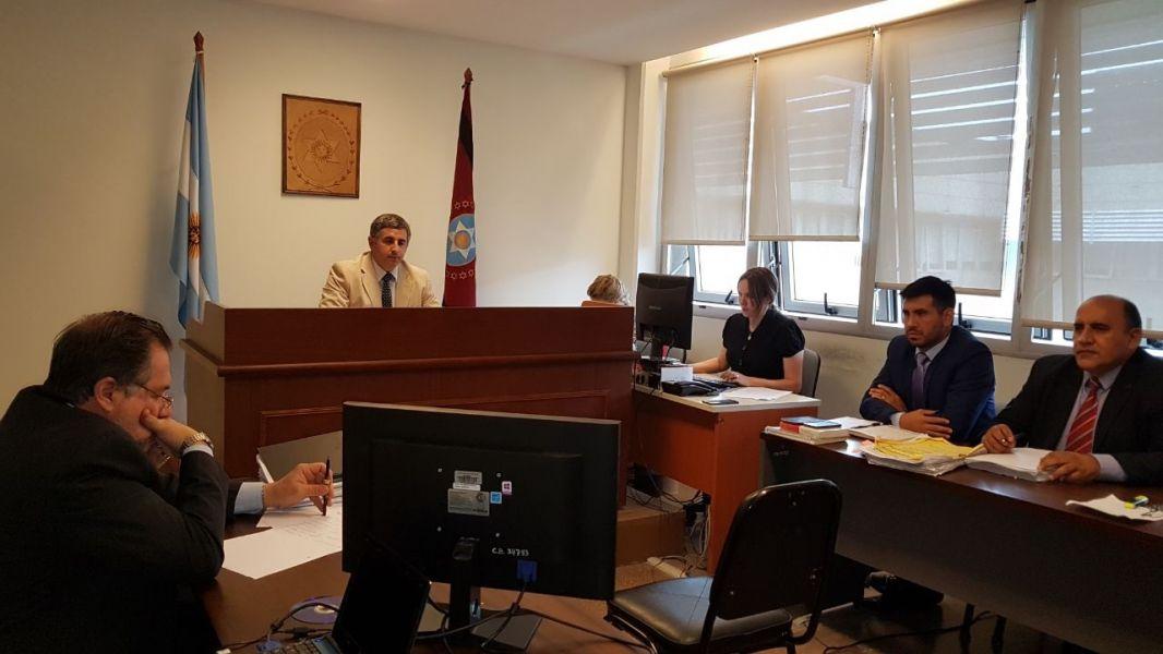 Juez Diego González Pipino, juzga a tres policías acusados de violencia y abuso de poder .