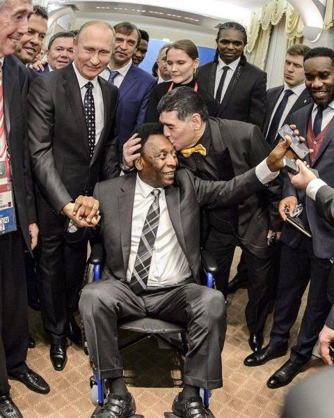 Reencuentro. Maradona y Pelé con Putin de testigo.