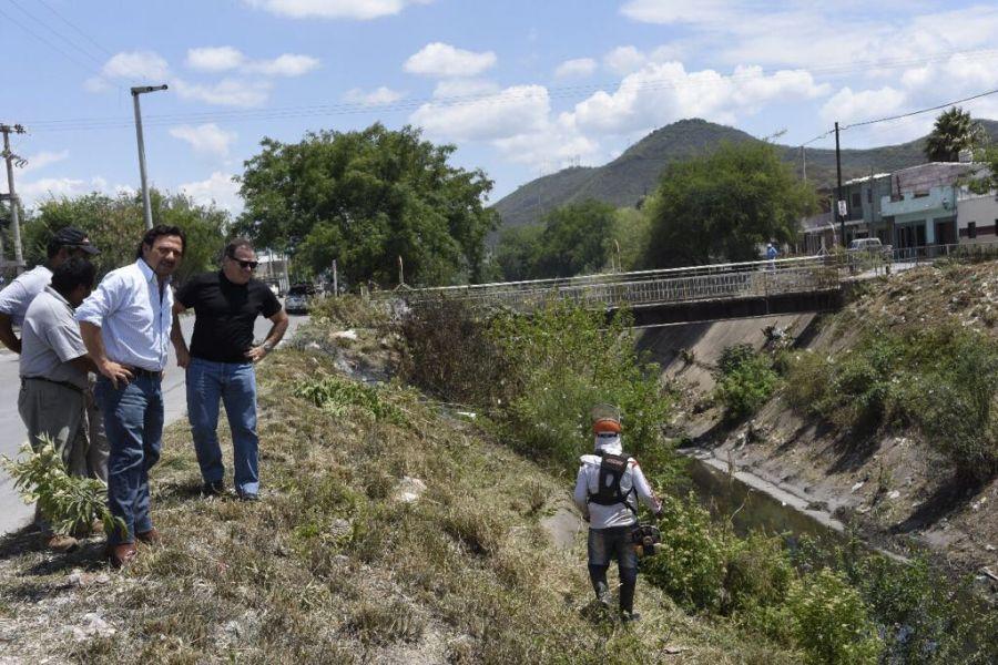 El intendente Sáenz supervisa las obras y la limpieza de canales para evitar inundacines.