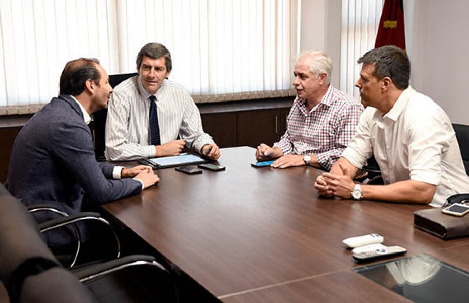 El jefe de Gabinete, Fernando Yarade presidió  la reunión de ayer en el Grand Bourg.