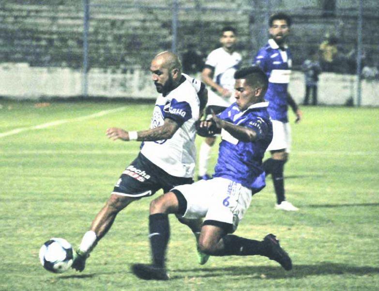 Gustavo Ibáñez continuará entre los once titulares y buscará estar encendido para esta noche.