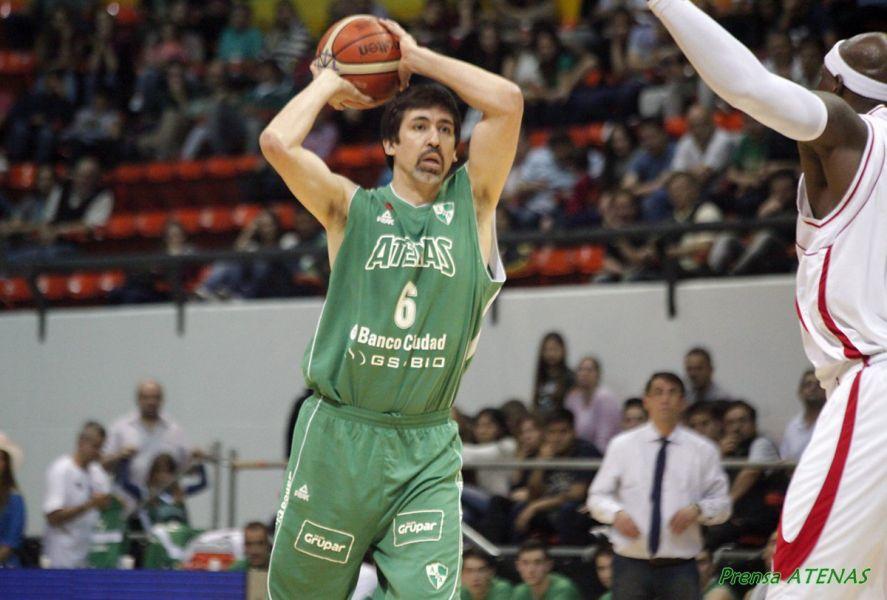 Gabriel Mikulas llegas de Atenas de Córdoba.