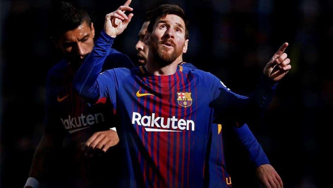 Messi, hizo un gol y dio la asistencia en el otro.