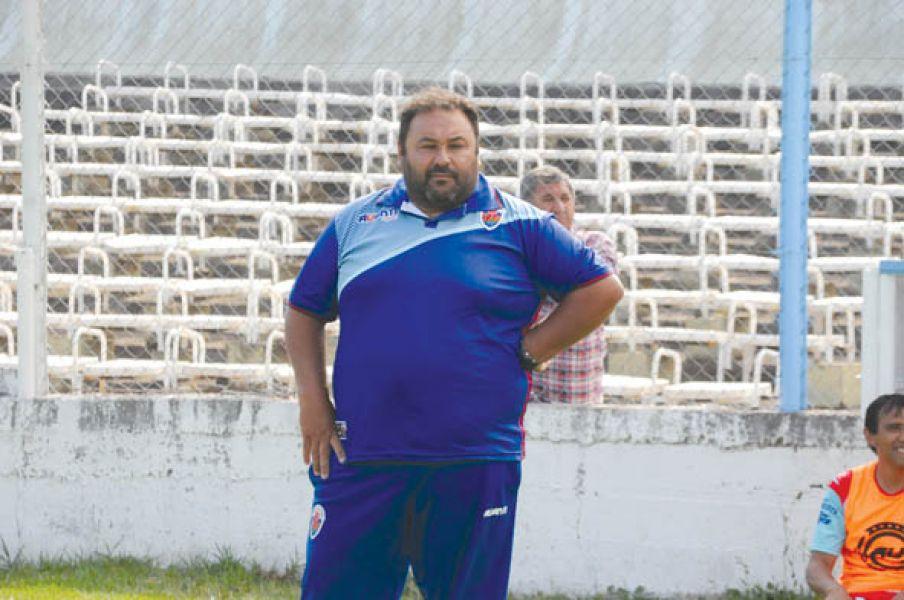 El técnico de Pellegrini, Federico Acuña.