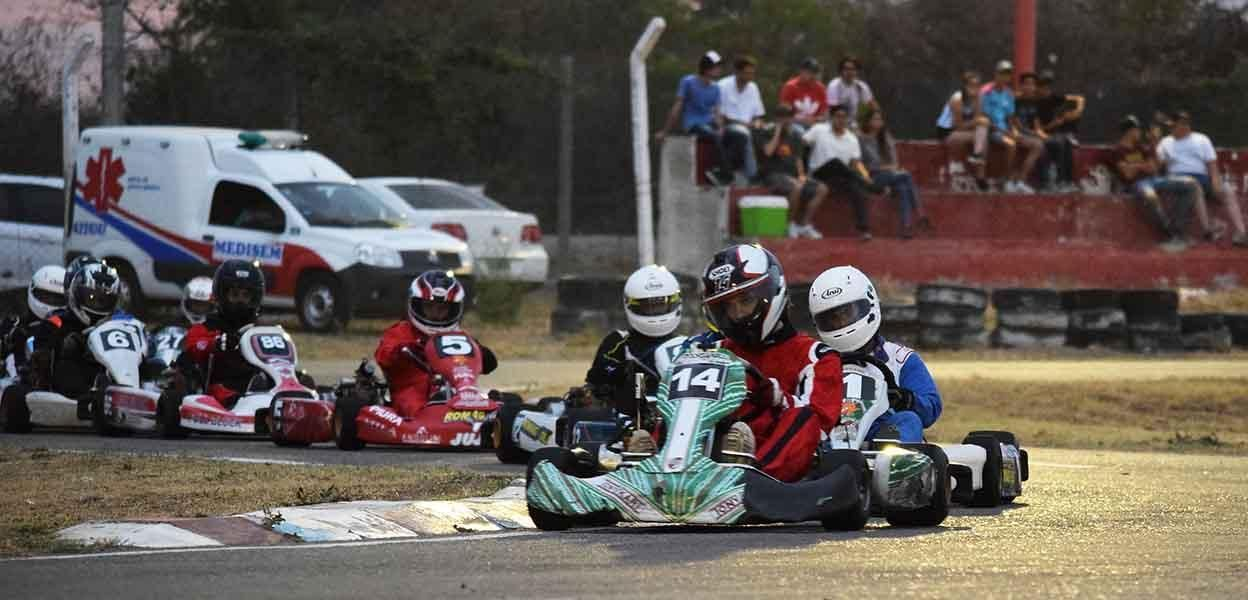 El karting vivió una gran jornada el sábado por la noche.