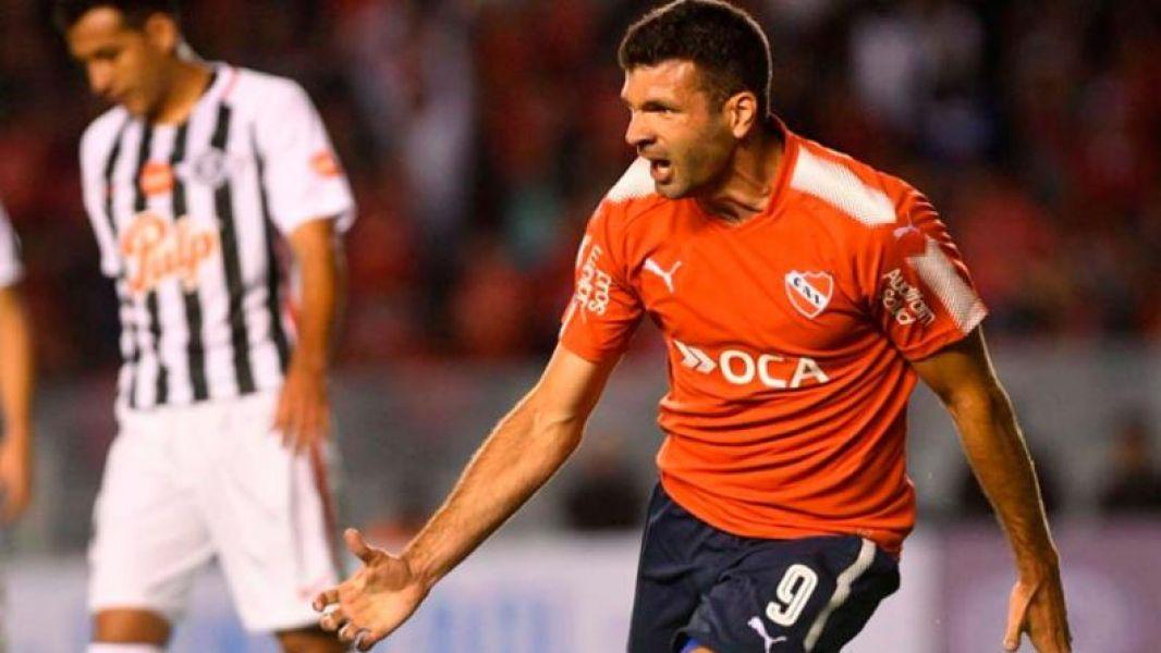 Emanuel Gigliotti, recuperó el olfato goleador y vuelve a ser una pieza clave en el Rojo de Avellaneda.