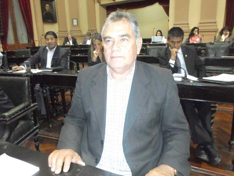 Senador Angel Ernesto Gómez .
