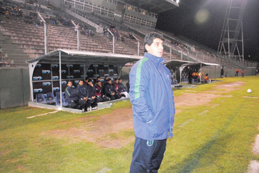 Gustavo Módica, flamante DT de Juventud Antoniana.