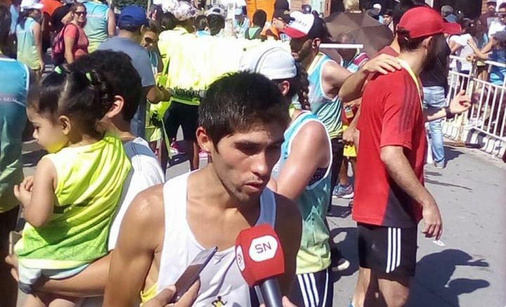 El pedestrista de Olavarría, Gustavo Fernández, quien se encuentra haciendo su pretemporada en el Complejo de Cachi, se impuso en la 28ª San Silvestre