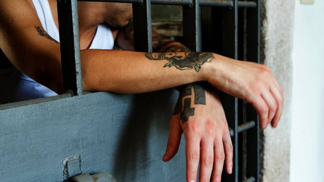 Afirman que los presos están en lugares pequeños y sin luz