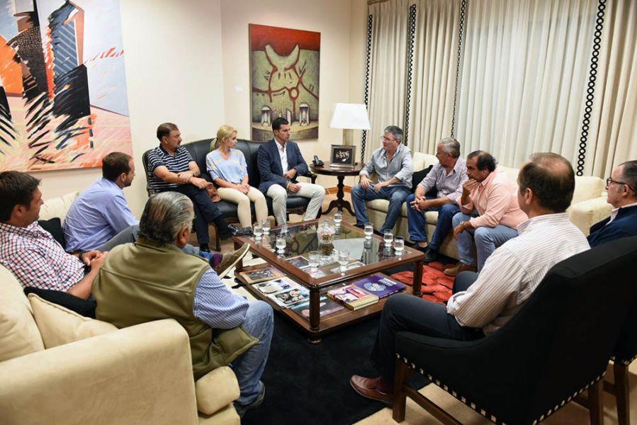 El gobernador Juan Manuel Urtubey recibió a productores tabacaleros.
