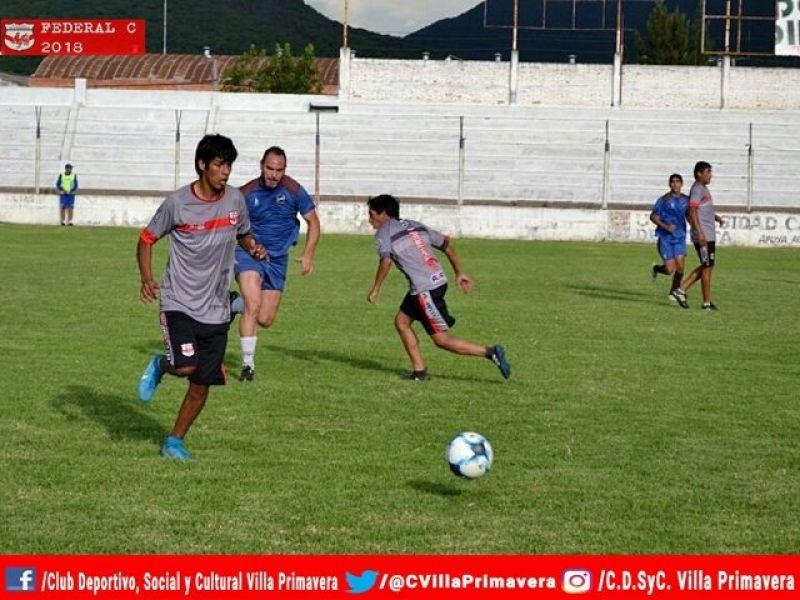 Juventud goleó a Villa Primavera por 5 a 0 en un amistoso. (Foto gentileza prensa V. Primavera)