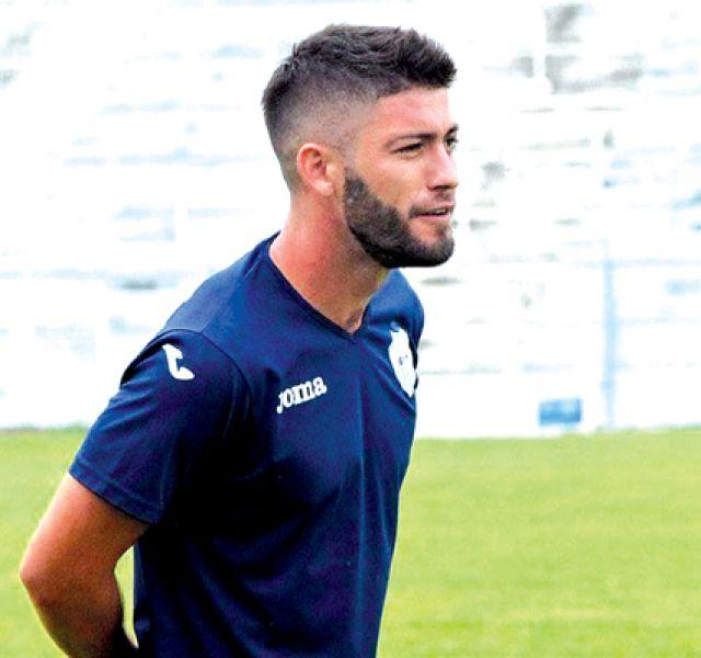 Julio Villarino, defensor de Gimnasia y Tiro.