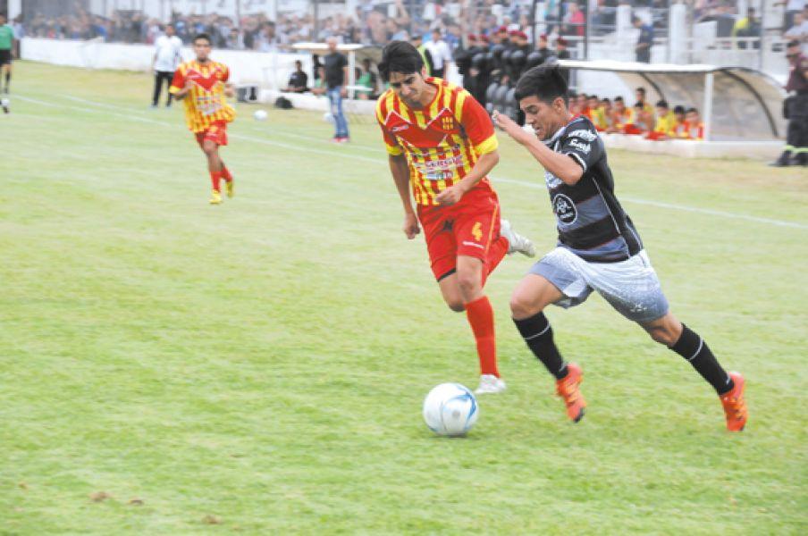 """Hernán Vargas, la """"Joya"""" del equipo de Ramón Apaza."""