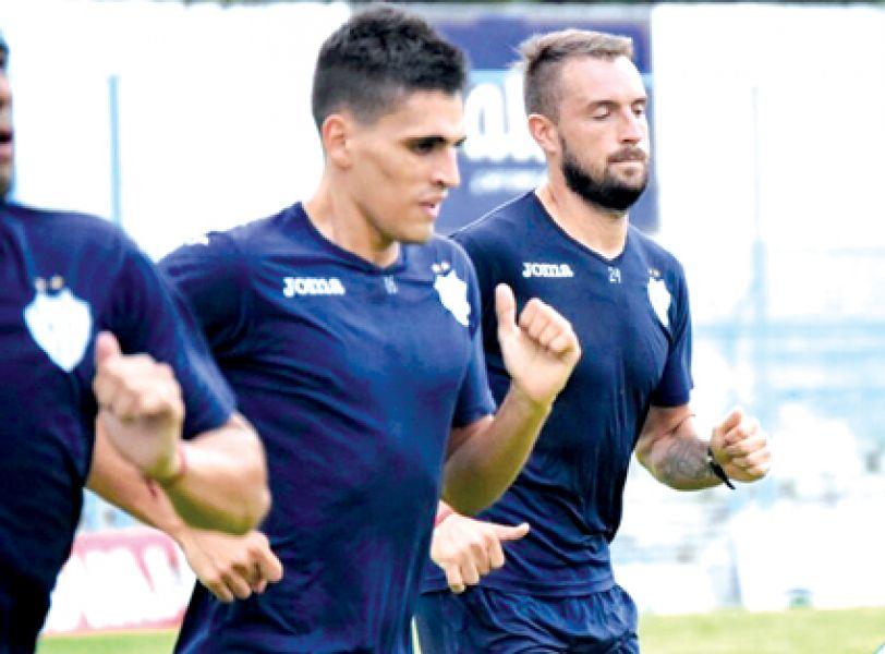 Ivo volvería a jugar desde el primer minuto con la camiseta de Giimnasia. Foto: GyT oficial