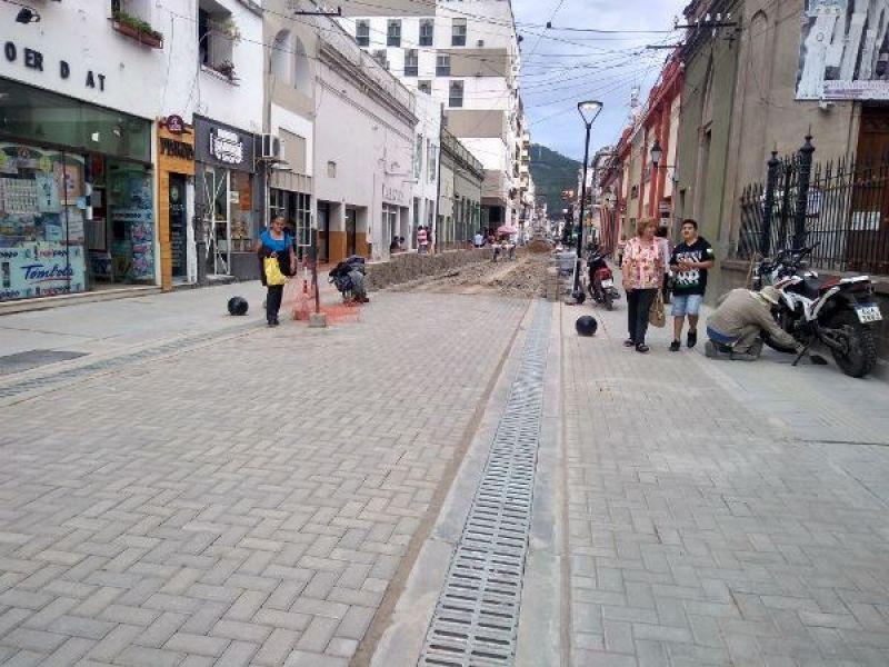 """""""En el pasado hicimos dos veces las peatonales y no queremos repetir"""", dijo el concejal Martín Del Frari."""