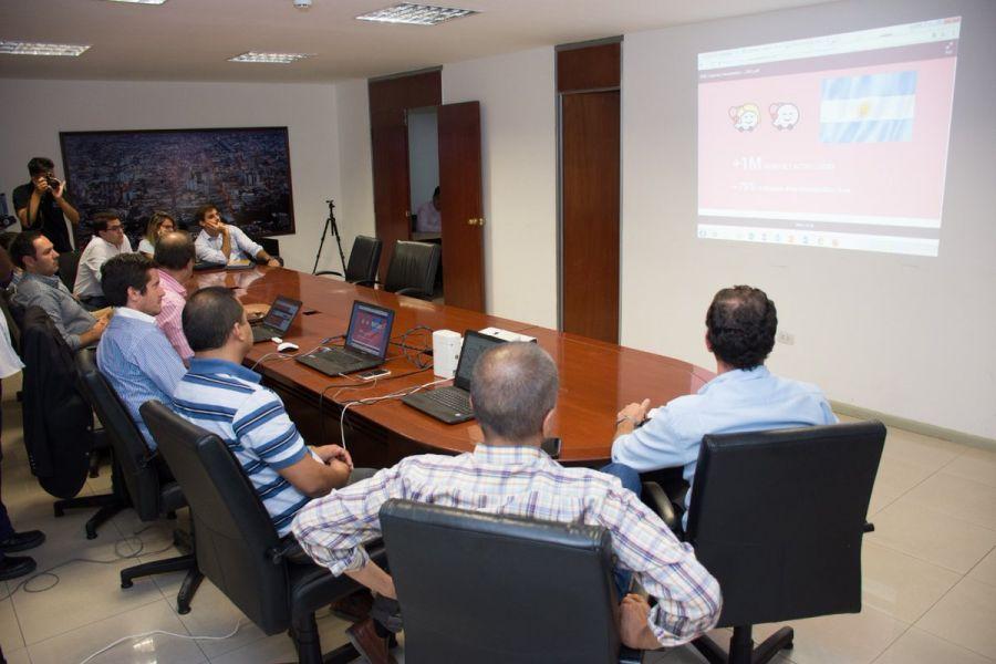 Mediante una videoconferencia funcionarios municipales trabajaron con expertos de la empresa Google.